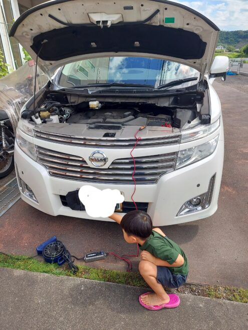 自分で車のバッテリー交換しました。